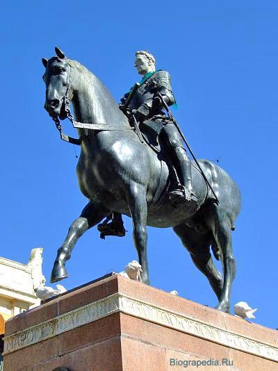 Фернандес де Кордова (великий капитан) (памятник в Кордове)